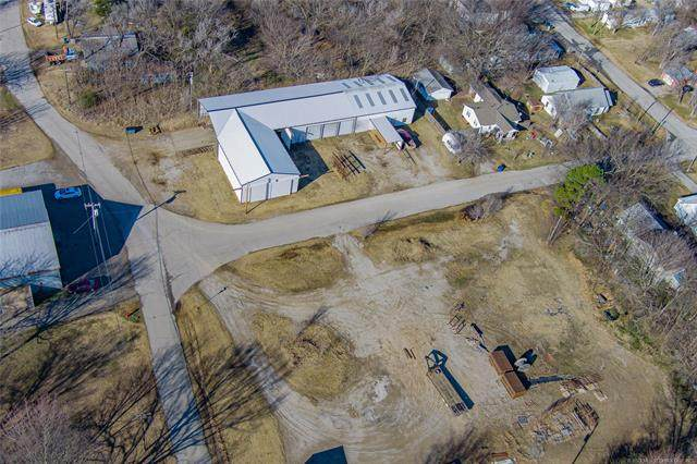 151 S Maple Street, Copan, OK 74022 (MLS #2044487) :: 580 Realty