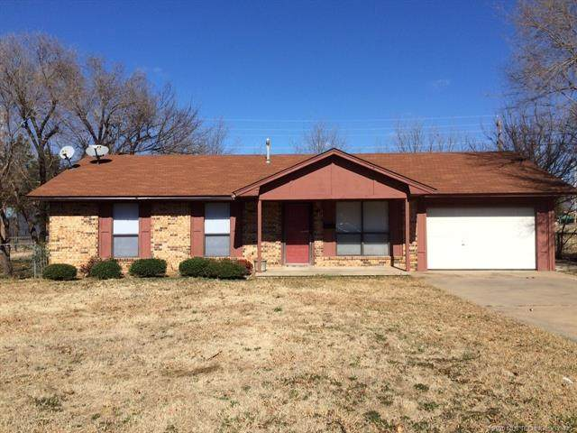 823 E Seminole, Mcalester, OK 74501 (MLS #2044552) :: Hopper Group at RE/MAX Results