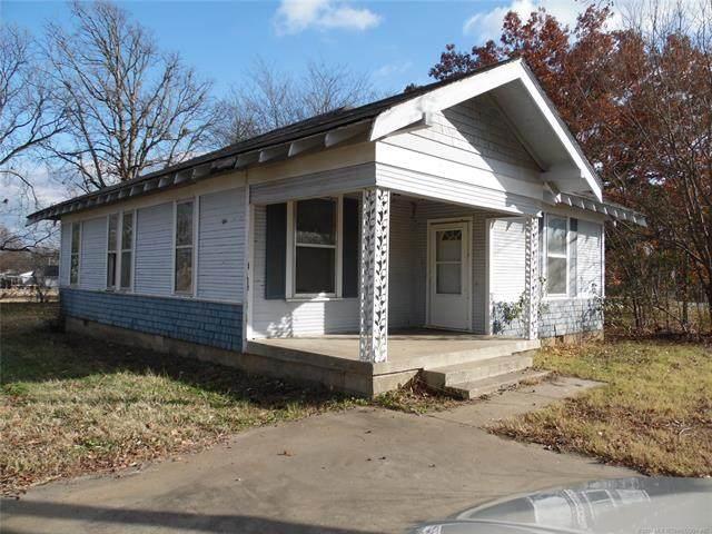 912 SW Culbertson Street SW, Ardmore, OK 73401 (MLS #2044865) :: 918HomeTeam - KW Realty Preferred