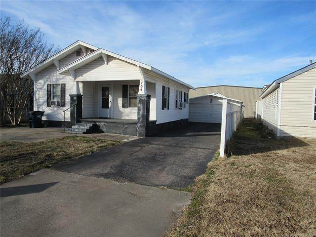704 W 16th, Ada, OK 74820 (MLS #2100339) :: Hopper Group at RE/MAX Results