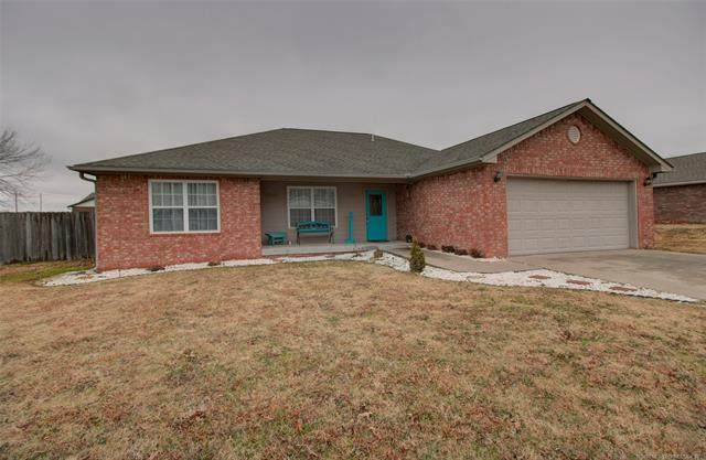 107 Chukker Drive, Pryor, OK 74361 (MLS #2100349) :: Hopper Group at RE/MAX Results