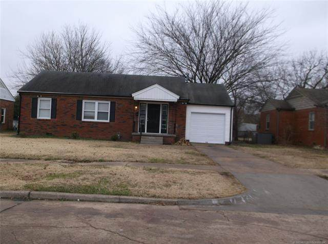2736 E 2nd Street, Tulsa, OK 74104 (MLS #2100376) :: 918HomeTeam - KW Realty Preferred