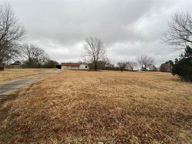 214 Lakeside, Holdenville, OK 74848 (MLS #2100671) :: RE/MAX T-town