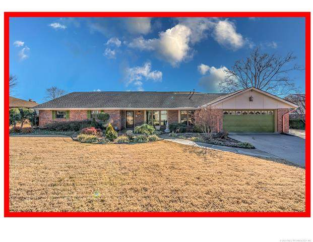 2641 Williamsburg Street, Bartlesville, OK 74006 (MLS #2100916) :: Hopper Group at RE/MAX Results