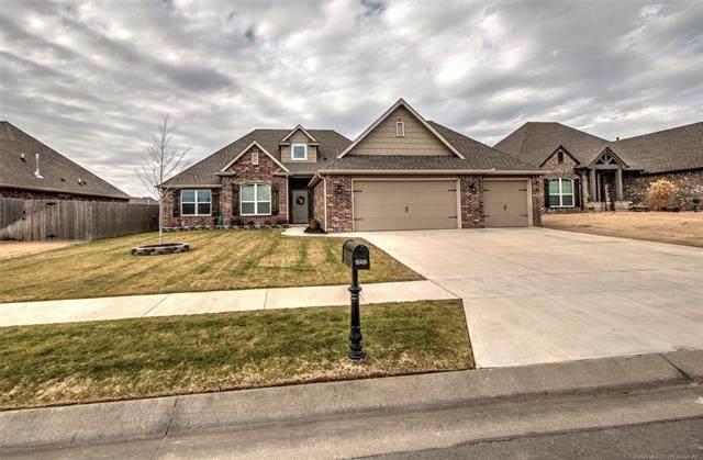 26426 Echelon Drive, Claremore, OK 74019 (MLS #2101035) :: 918HomeTeam - KW Realty Preferred