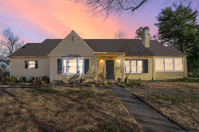2303 S Delaware Place, Tulsa, OK 74114 (MLS #2101212) :: RE/MAX T-town
