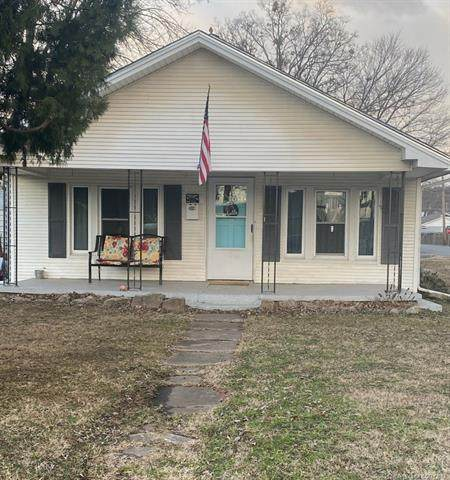 424 N Hodge Street, Sapulpa, OK 74066 (MLS #2101230) :: RE/MAX T-town