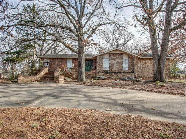 711 E Ross Street, Tahlequah, OK 74464 (#2101337) :: Homes By Lainie Real Estate Group