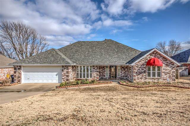 1018 Arbor Drive, Bartlesville, OK 74006 (MLS #2101351) :: RE/MAX T-town