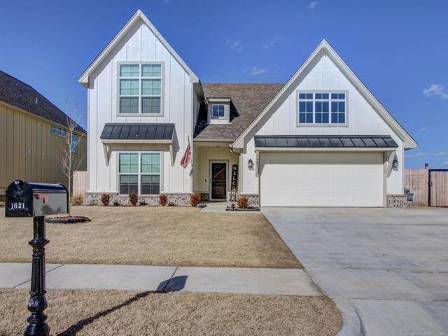1621 E 139th Court S, Glenpool, OK 74033 (MLS #2101459) :: 918HomeTeam - KW Realty Preferred