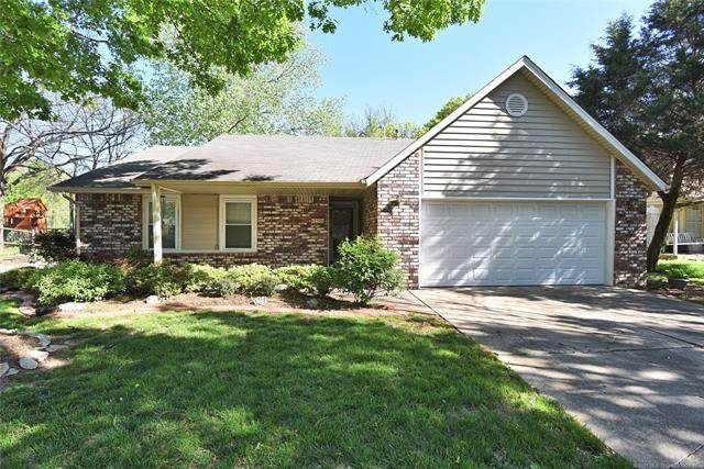 2520 W Fulton Street, Broken Arrow, OK 74012 (#2101501) :: Homes By Lainie Real Estate Group