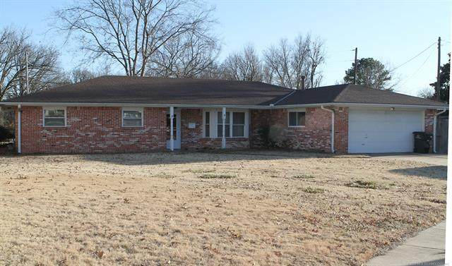 200 Crestwood, Bartlesville, OK 74003 (MLS #2101533) :: RE/MAX T-town