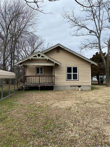 411 N Oseuma Avenue, Claremore, OK 74017 (MLS #2101656) :: Hopper Group at RE/MAX Results