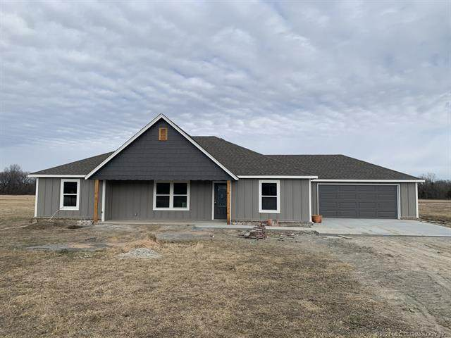 113 Lakeside Avenue, Chouteau, OK 74337 (MLS #2101693) :: Hopper Group at RE/MAX Results