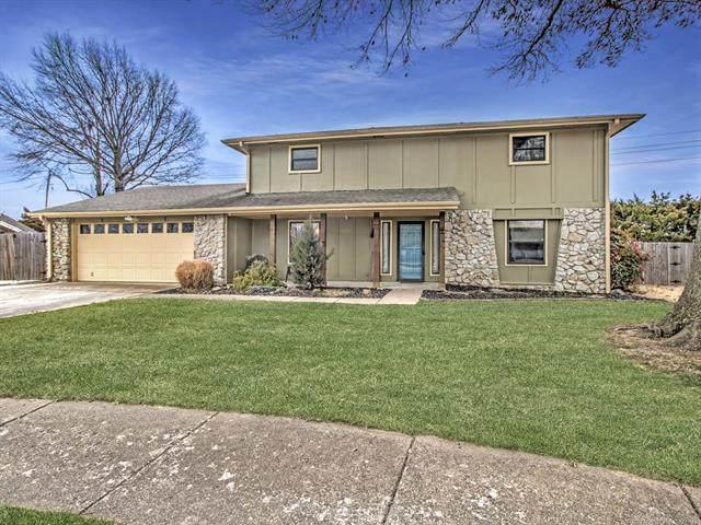 5872 Meadowcrest Drive, Bartlesville, OK 74006 (MLS #2101868) :: 580 Realty