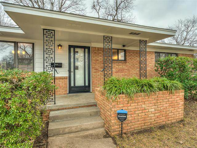 2111 W 44th Street, Tulsa, OK 74107 (MLS #2101917) :: 580 Realty