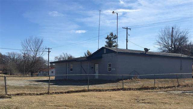 819 W Broadway Street, Drumright, OK 74030 (#2102014) :: Homes By Lainie Real Estate Group