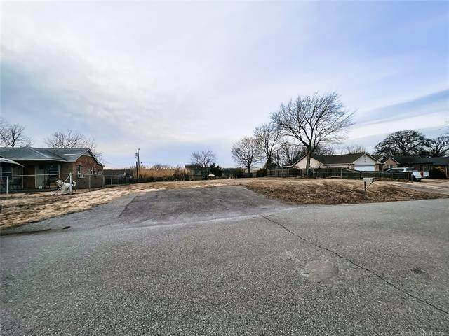 5824 S 31st West Avenue, Tulsa, OK 74107 (MLS #2102065) :: RE/MAX T-town