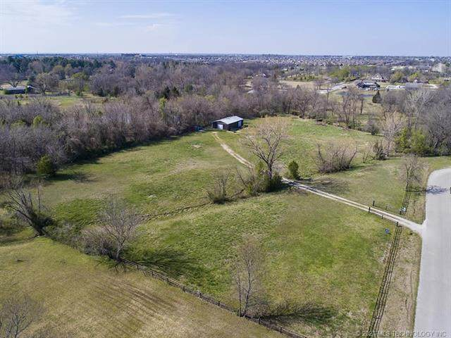 N 154th East Avenue, Owasso, OK 74055 (MLS #2102068) :: Active Real Estate