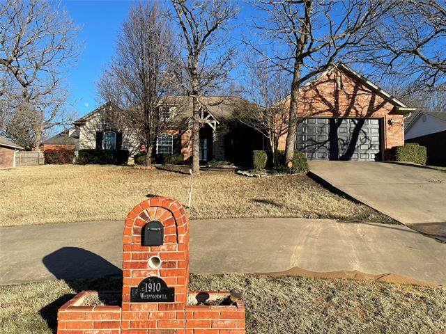 1910 Whipporwill, Mcalester, OK 74501 (MLS #2102382) :: RE/MAX T-town