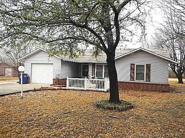 410 South Park Drive, So Coffeyville, OK 74072 (MLS #2102458) :: RE/MAX T-town