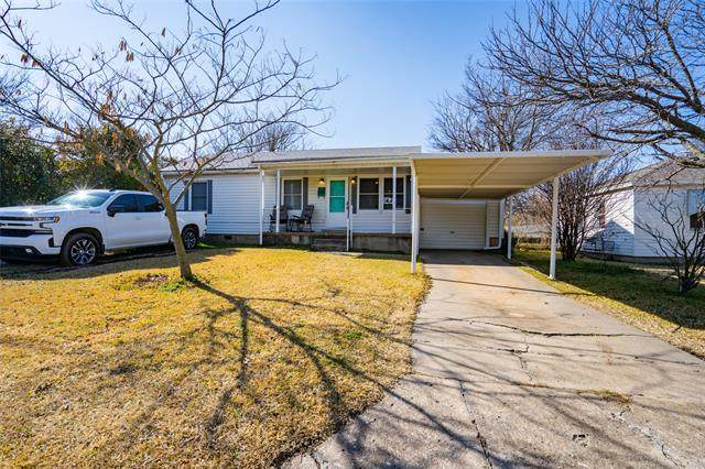 1809 Comanche Street, Ardmore, OK 73401 (MLS #2102565) :: Hopper Group at RE/MAX Results