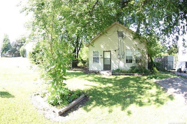 420 W Delaware, Tahlequah, OK 74464 (#2102605) :: Homes By Lainie Real Estate Group