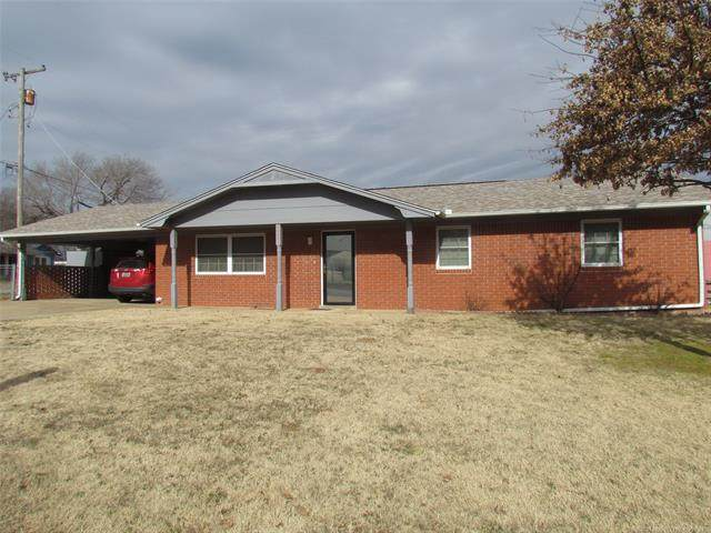 707 Spaulding Avenue, Checotah, OK 74426 (MLS #2102752) :: RE/MAX T-town