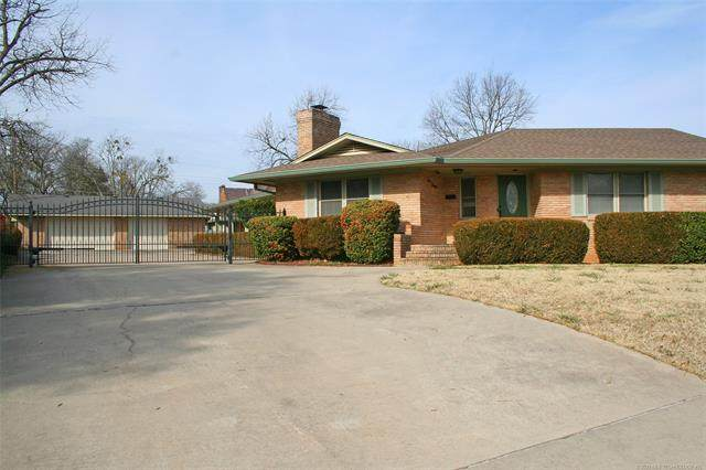 111 G SW, Ardmore, OK 73401 (MLS #2102781) :: Hopper Group at RE/MAX Results