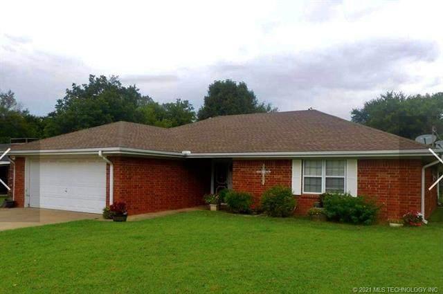 1324 E 6th Street, Cushing, OK 74023 (MLS #2103587) :: House Properties