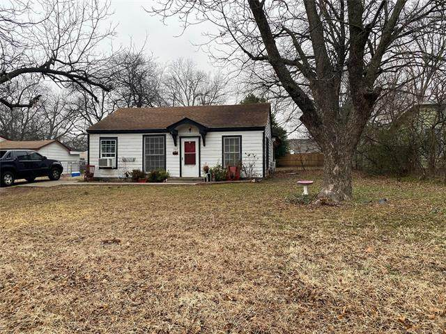 707 10th Avenue NW, Ardmore, OK 73401 (MLS #2103836) :: RE/MAX T-town