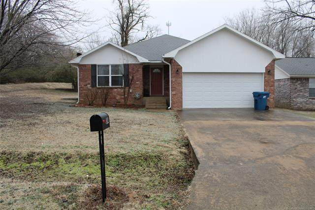 304 W Rock Avenue, Mcalester, OK 74501 (MLS #2104025) :: RE/MAX T-town