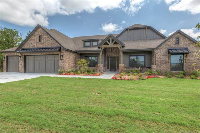 2103 E 45th Circle, Sand Springs, OK 74063 (MLS #2104382) :: Active Real Estate