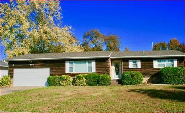 329 SE 7th Place, Pryor, OK 74361 (MLS #2104433) :: Hopper Group at RE/MAX Results