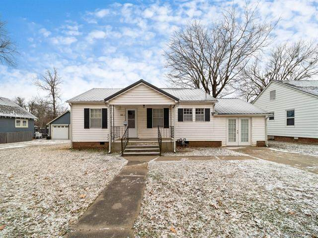 705 W South, Vinita, OK 74301 (MLS #2104669) :: 580 Realty