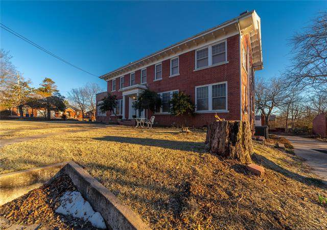 420 E South, Mcalester, OK 74501 (#2104672) :: Homes By Lainie Real Estate Group