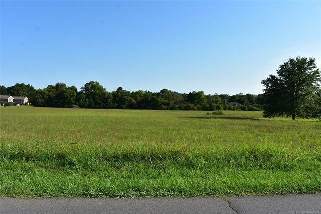4 Cedar Avenue, Tahlequah, OK 74464 (#2104699) :: Homes By Lainie Real Estate Group