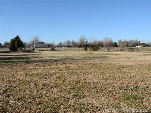 13006 N 139th East Avenue, Collinsville, OK 74021 (MLS #2104753) :: Active Real Estate