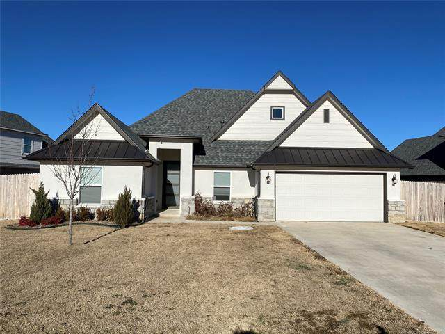 421 E 127th Place S, Jenks, OK 74037 (MLS #2104757) :: Hopper Group at RE/MAX Results