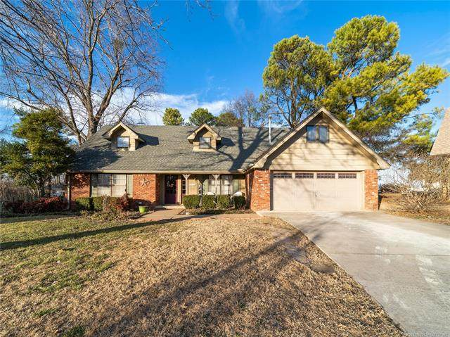 2306 Ridgeview Lane, Claremore, OK 74017 (MLS #2104873) :: Hopper Group at RE/MAX Results