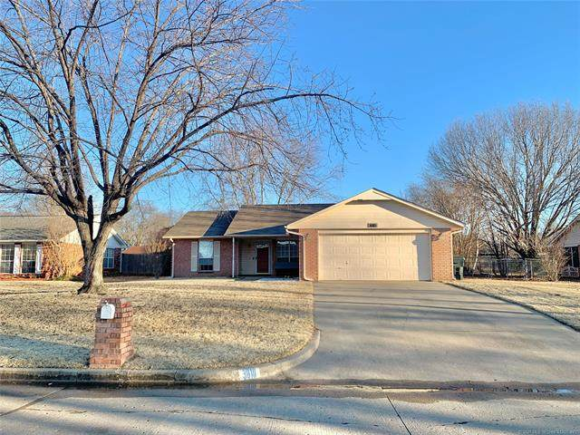 3010 E Augusta Street, Muskogee, OK 74403 (MLS #2104909) :: Active Real Estate