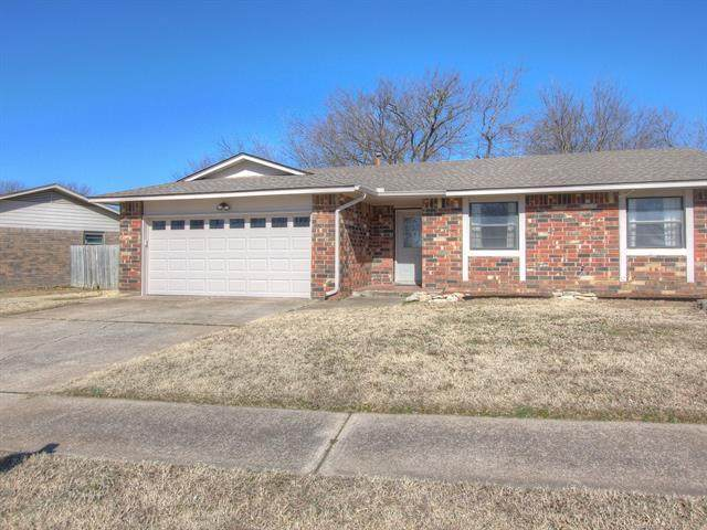 2100 W Delmar Street, Broken Arrow, OK 74012 (MLS #2104919) :: Active Real Estate