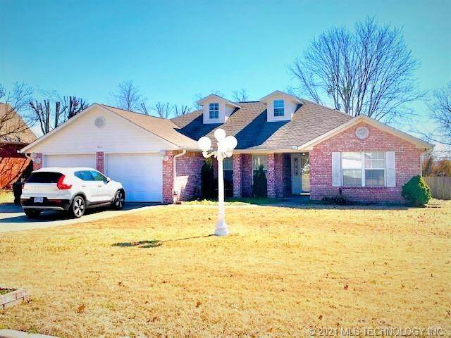 413 Heritage Drive, Fort Gibson, OK 74434 (MLS #2105019) :: Active Real Estate