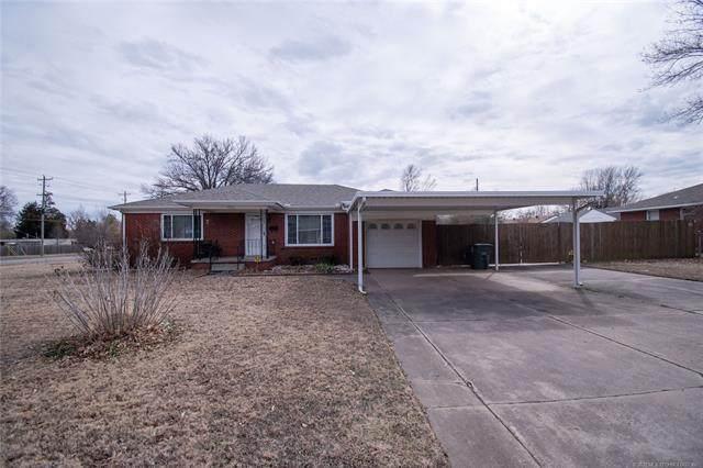4826 E 26th Street, Tulsa, OK 74114 (#2105200) :: Homes By Lainie Real Estate Group