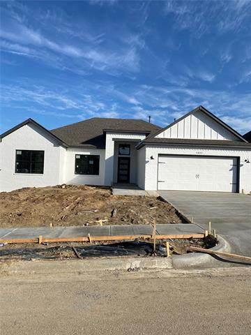 5897 E 143rd Place S, Bixby, OK 74008 (#2105264) :: Homes By Lainie Real Estate Group