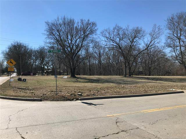809 S Muskogee Avenue, Claremore, OK 74017 (MLS #2105500) :: Active Real Estate