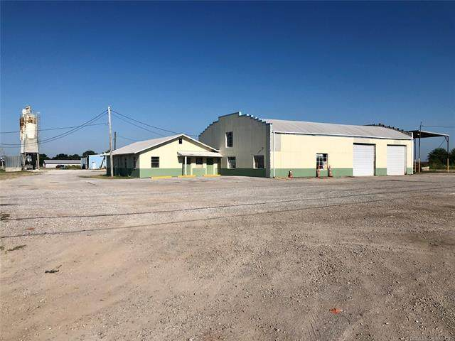 701 N Linwood Avenue, Cushing, OK 74023 (MLS #2105554) :: House Properties
