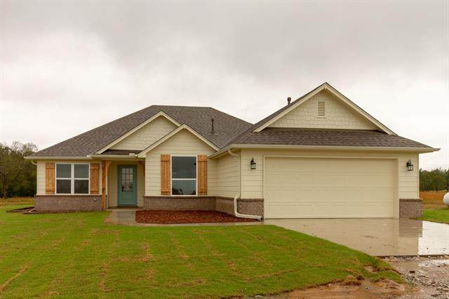 1208 SE 15th, Pryor, OK 74361 (MLS #2105576) :: 918HomeTeam - KW Realty Preferred