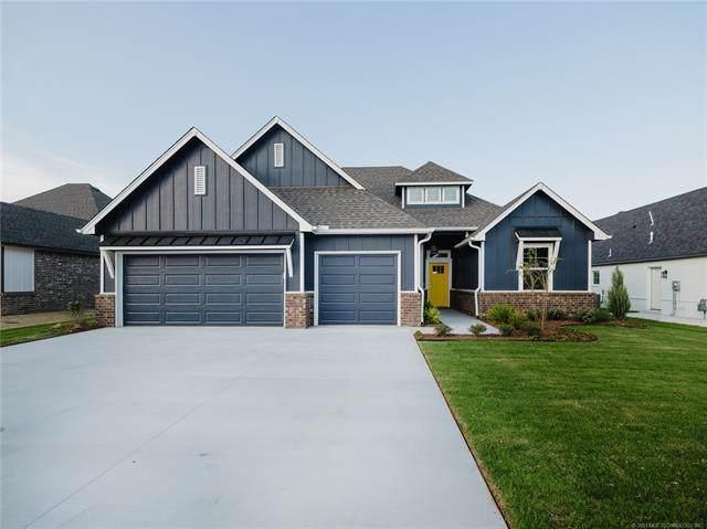1504 S Oklahoma Street, Pryor, OK 74361 (#2105585) :: Homes By Lainie Real Estate Group