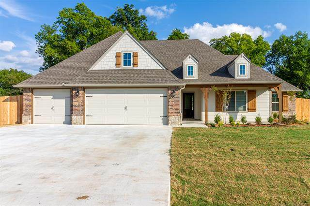 7941 S 266th East Avenue, Broken Arrow, OK 74014 (#2105595) :: Homes By Lainie Real Estate Group